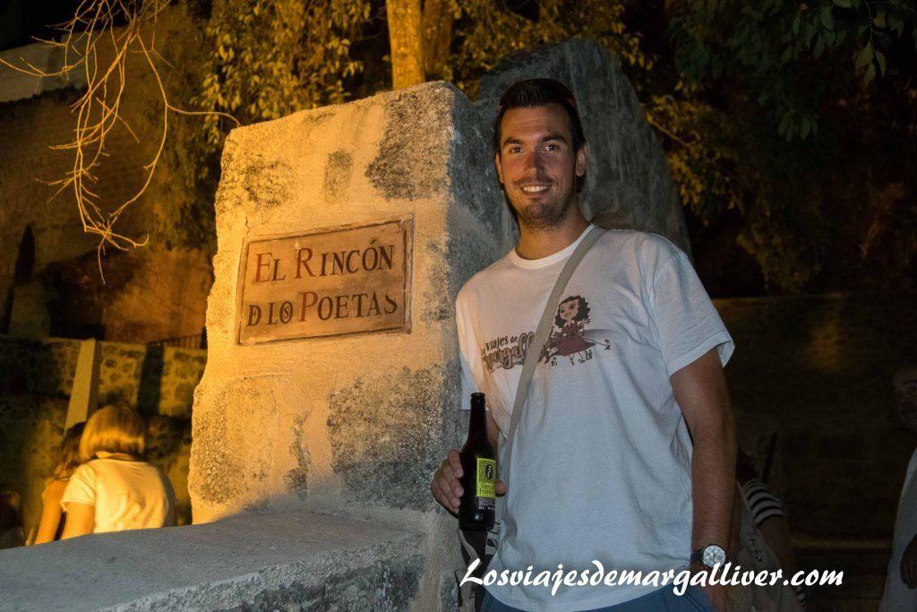 Degustando una cerveza Tierra de Frontera Alcalá la Real - Los viajes de Margalliver